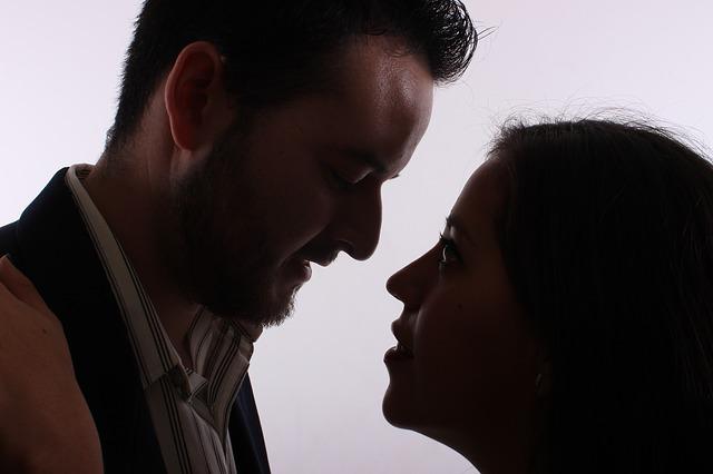 kiss-2268849_640.jpg